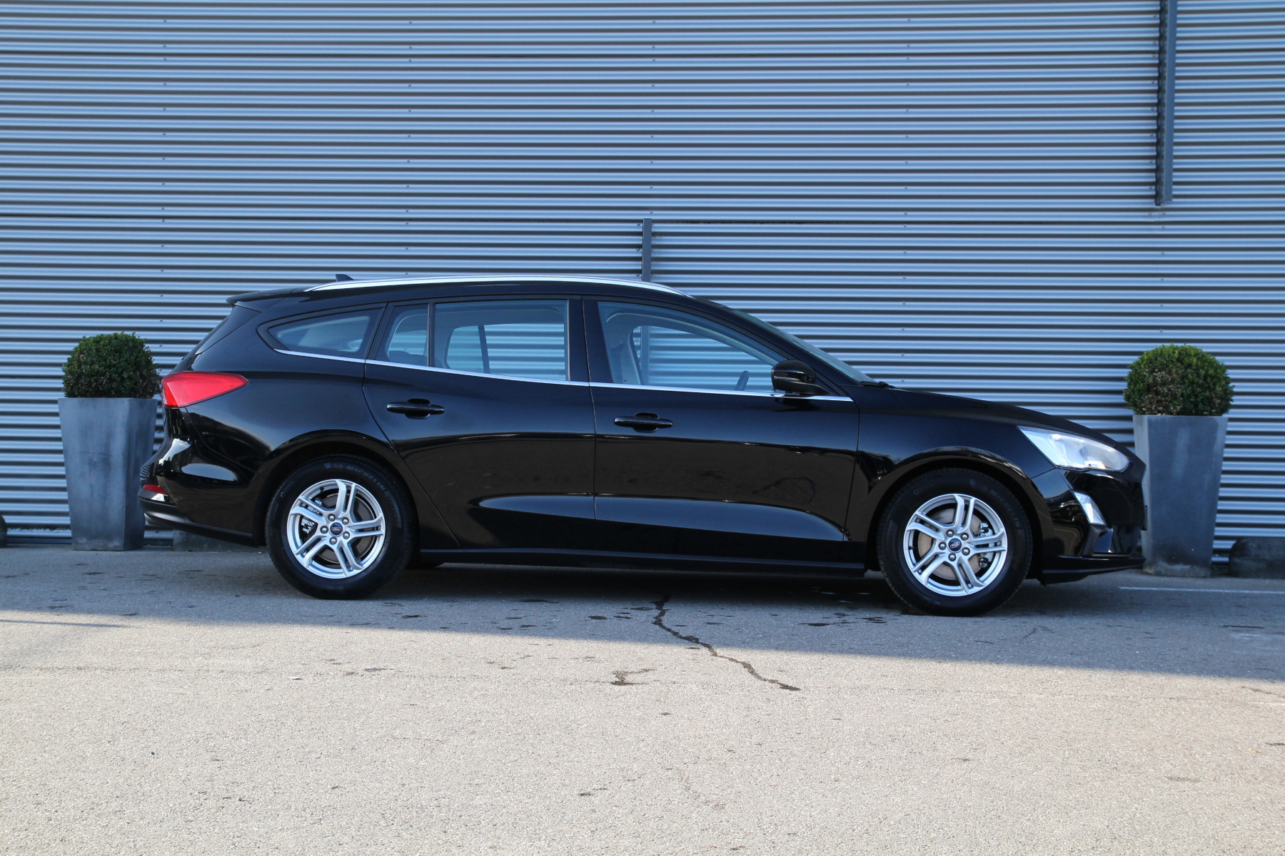XK-408-N Ford Focus Wagon 1.0 ecoboost trend edition business - Leasespecial