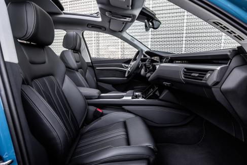 Audi e-tron interieur (4)