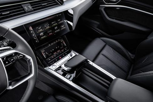 Audi e-tron interieur (5)