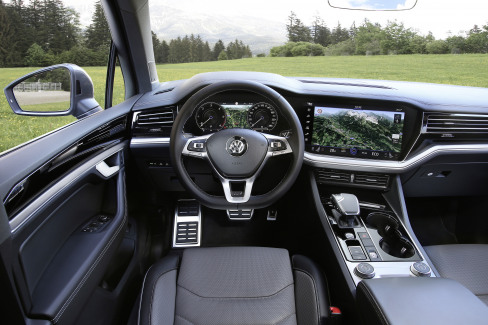 VW Touareg R-Line interieur dashboard