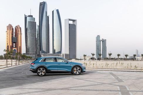 Audi e-tron Antigua blue (7)