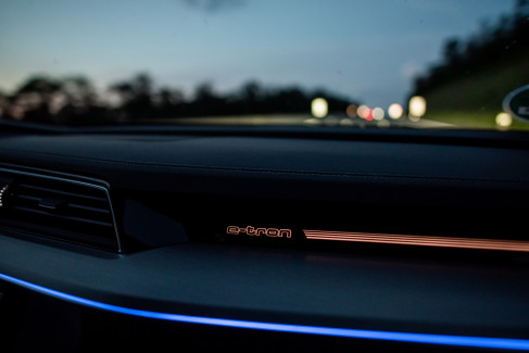Audi e-tron interieur (2)