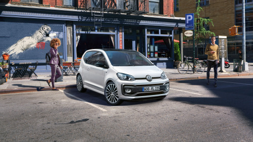 Volkswagen up! R-Line (10)