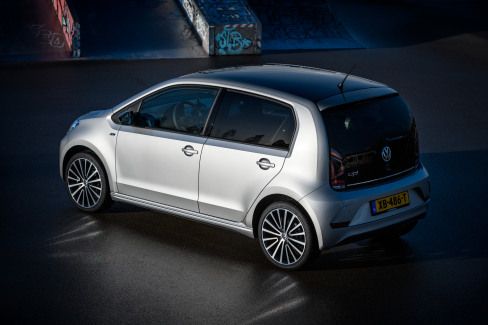 Volkswagen up! R-Line (6)