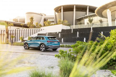 Audi e-tron Antigua blue (10)