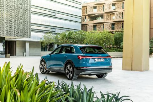 Audi e-tron Antigua blue (3)