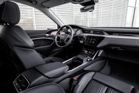 Audi e-tron interieur (3)