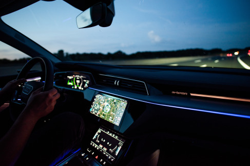 Audi e-tron interieur (1)