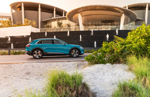 Audi e-tron Antigua blue (1)