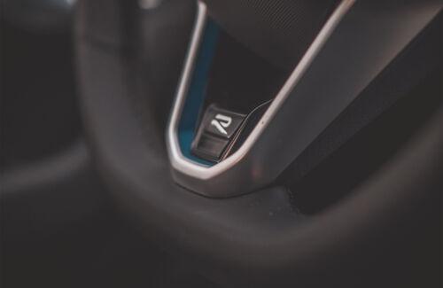 VW Touareg R (1)