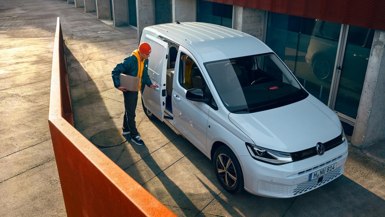 VW Caddy head